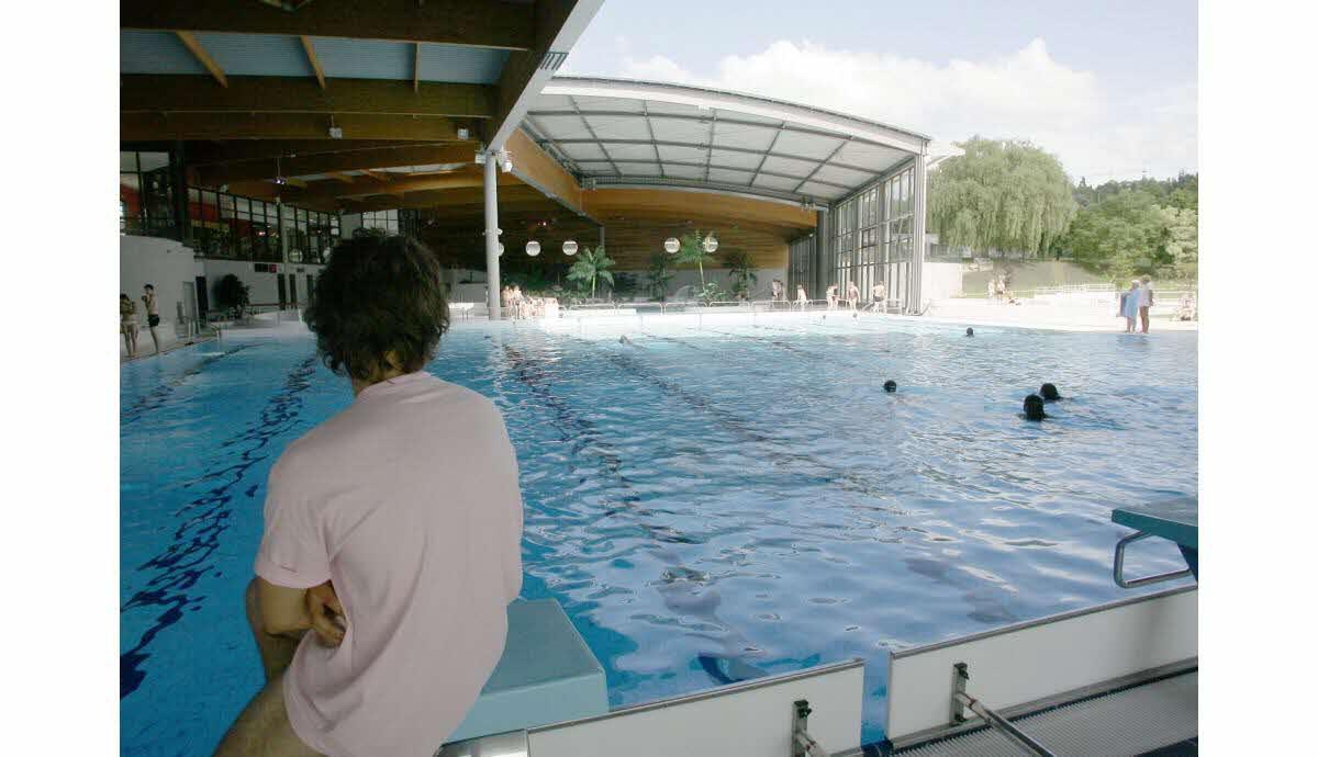 Jura | Lons-Le-Saunier : Le Toit De La Piscine Ne Sera ... encequiconcerne Piscine Lons