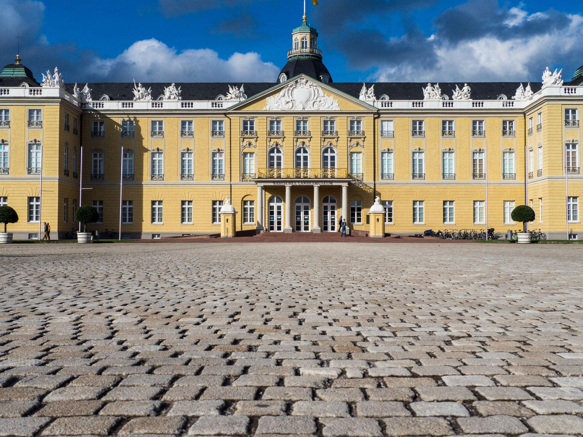 Karlsruhe | Que Faire Et Voir | Les Incontournables | Bonnes ... serapportantà Piscine Karlsruhe