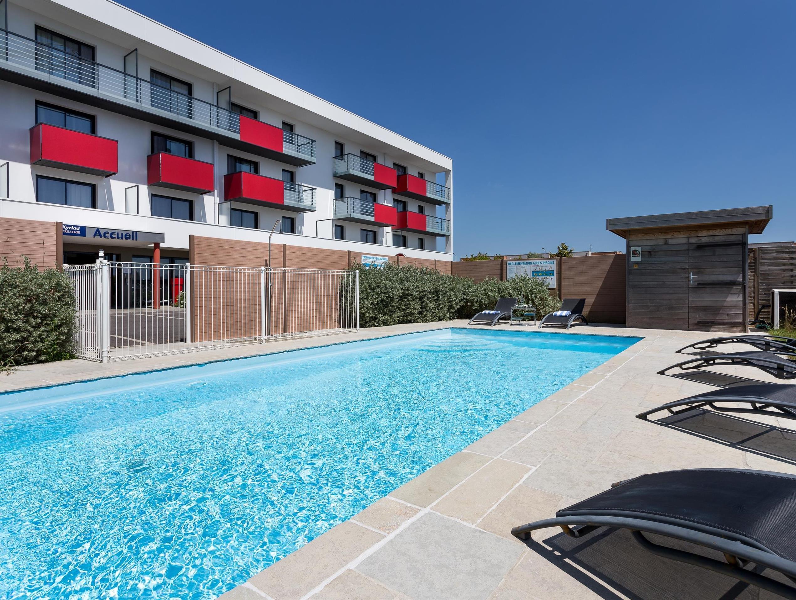 Kyriad Prestige Saint Nazaire Hotel (Trignac) - Deals ... encequiconcerne Piscine St Nazaire