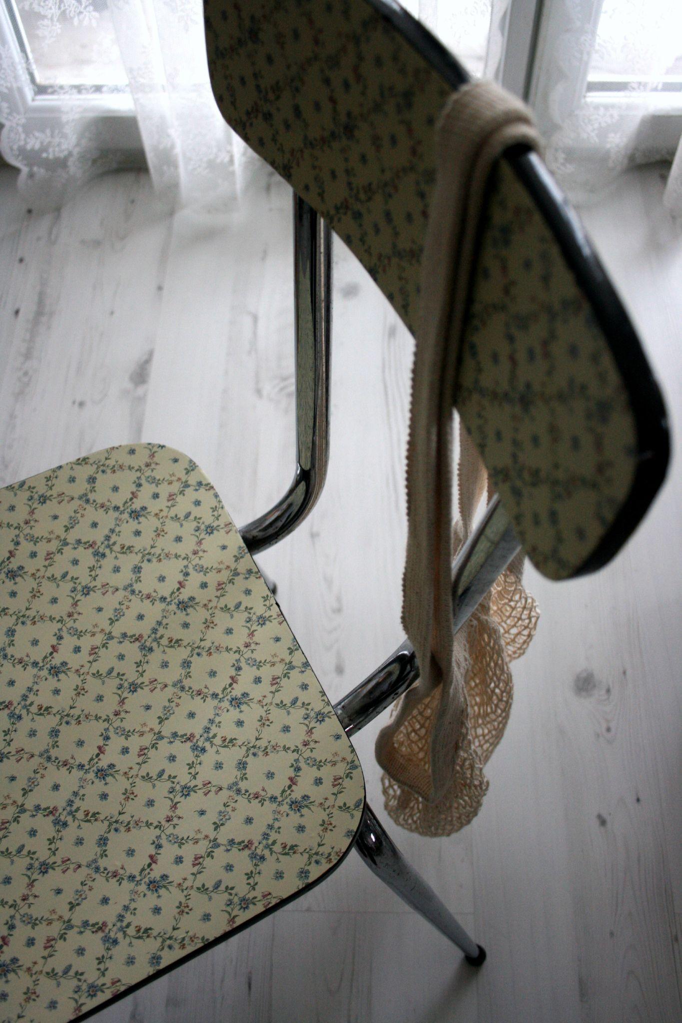 La Chaise Fleurie - Emilie Sans Chichi... à Piscine A Balle Gifi