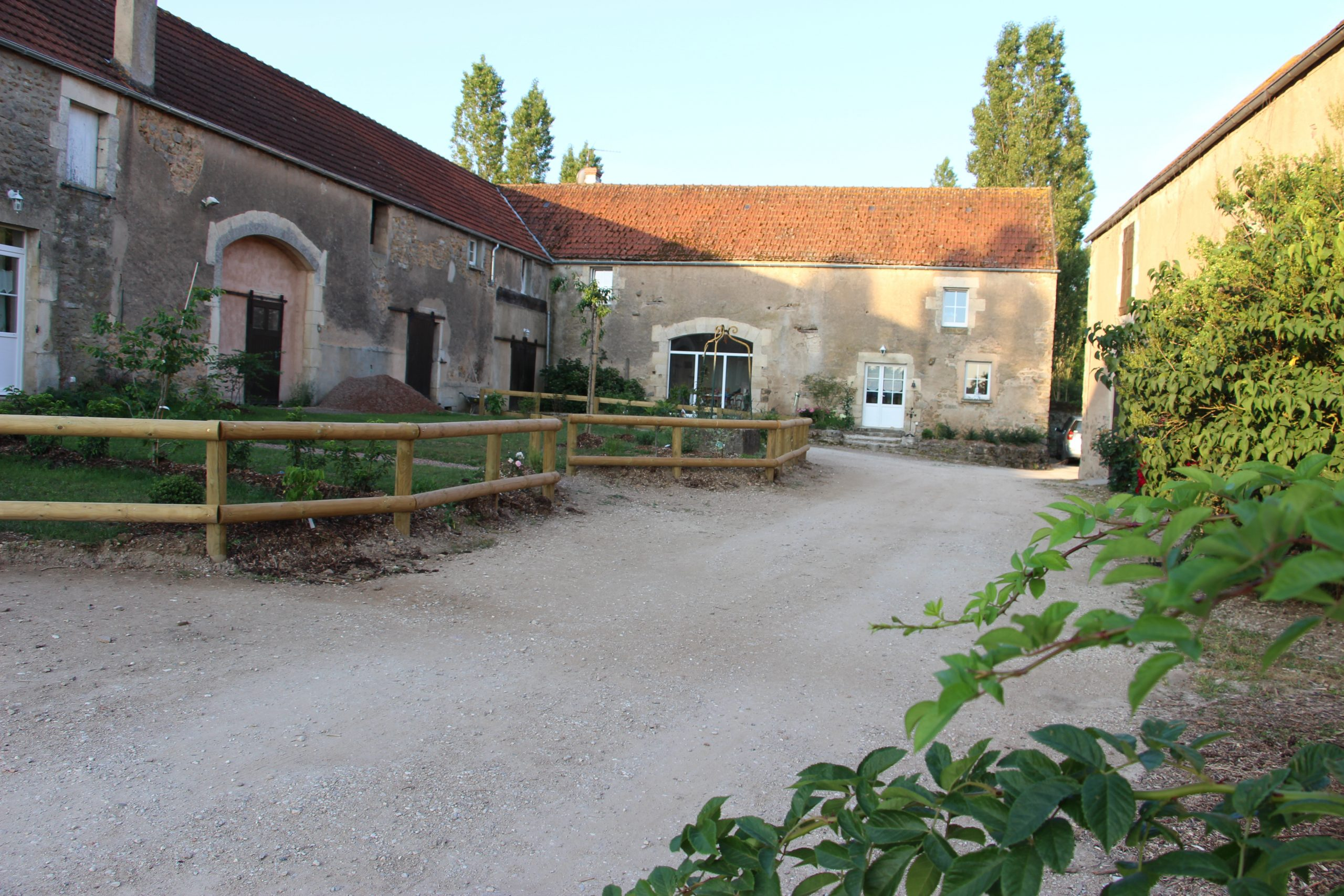 La Ferme Du Bois-Dieu - Piscine Chauffée- Poneys - Avallon ... intérieur Piscine Avallon
