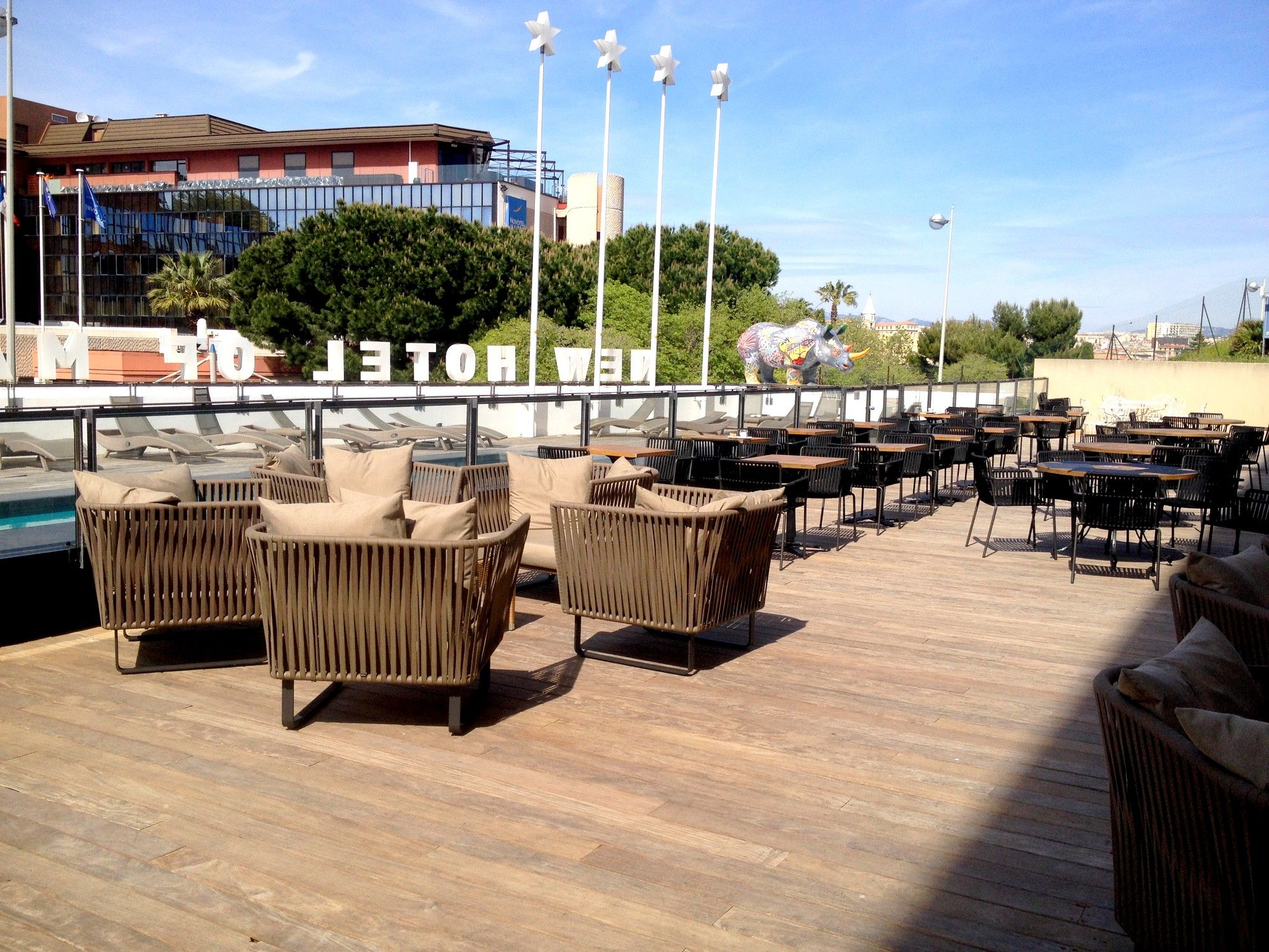 La Nouvelle Terrasse D'été Du New Hotel Of Marseille ... tout Hotel Piscine Marseille