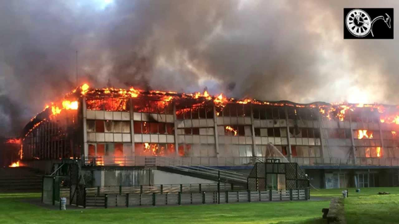 La Piscine De Valenciennes Victime D'un Violent Incendie 17/09/2014 intérieur Piscine Valenciennes