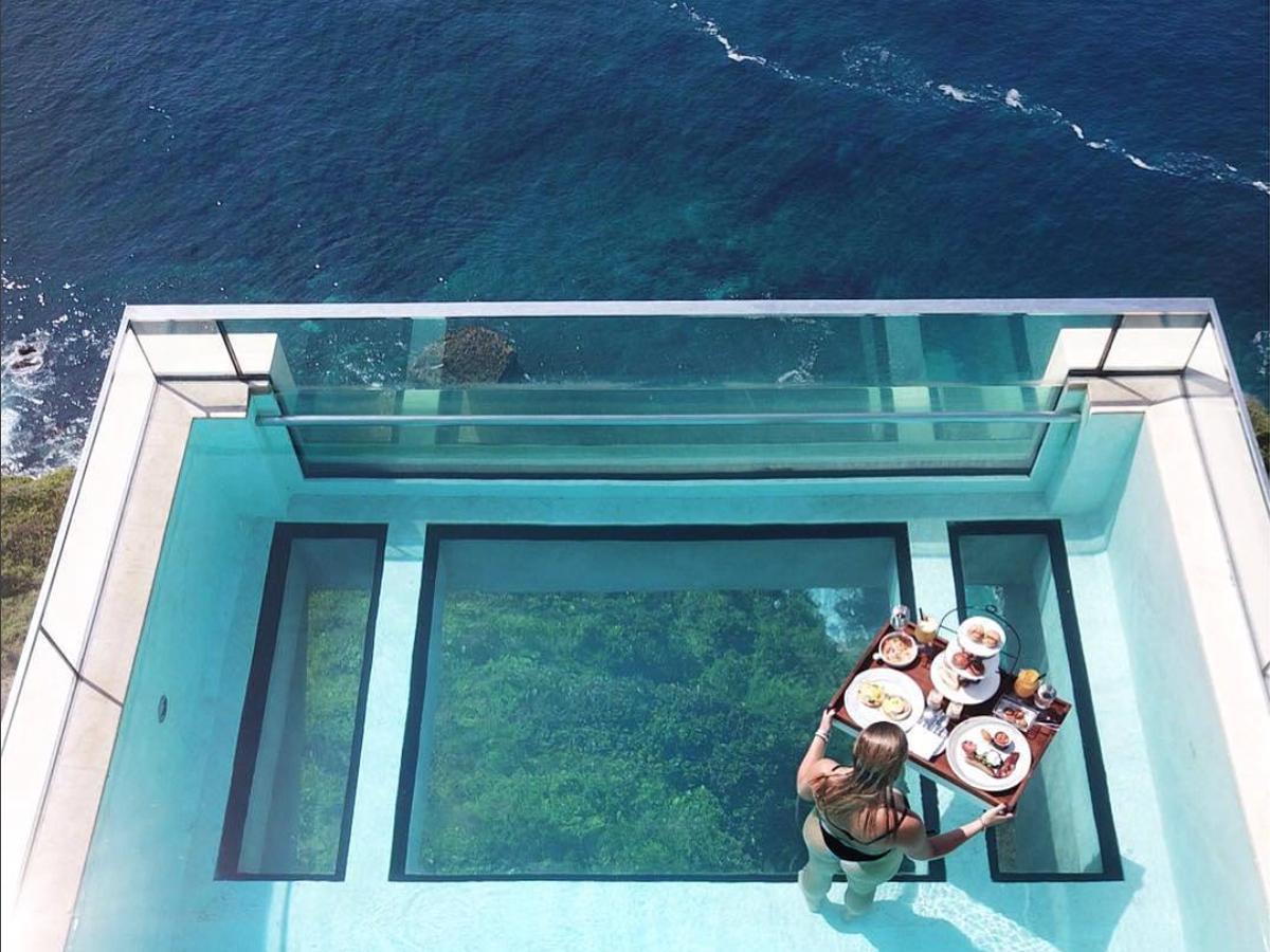 La Piscine La Plus Dingue Du Monde Se Trouve À Bali Et Nous ... concernant Piscine Falaise