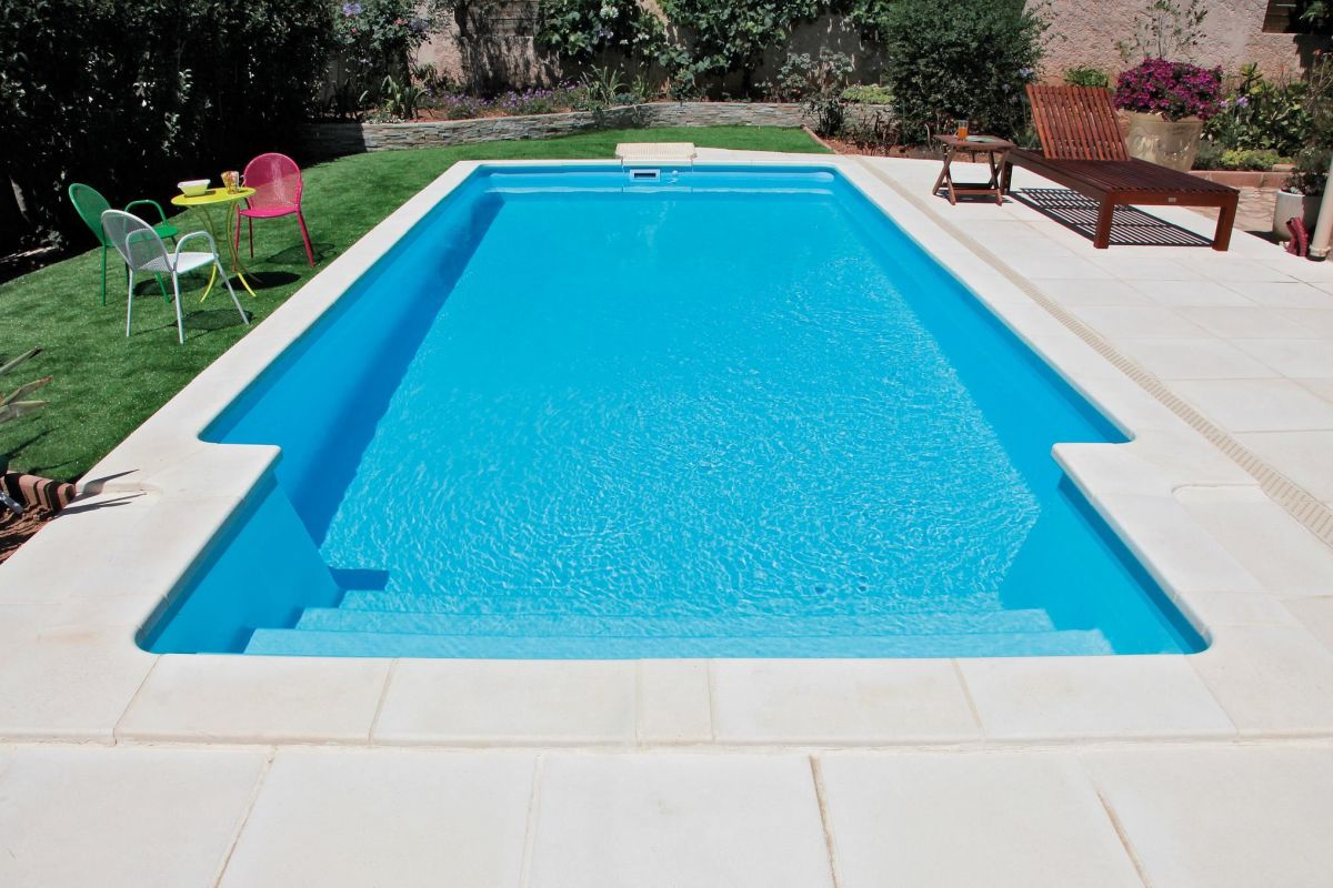 La Piscine Monocoque : Accessible Et Durable - Guide-Piscine.fr tout Piscine Desjoyaux Promo