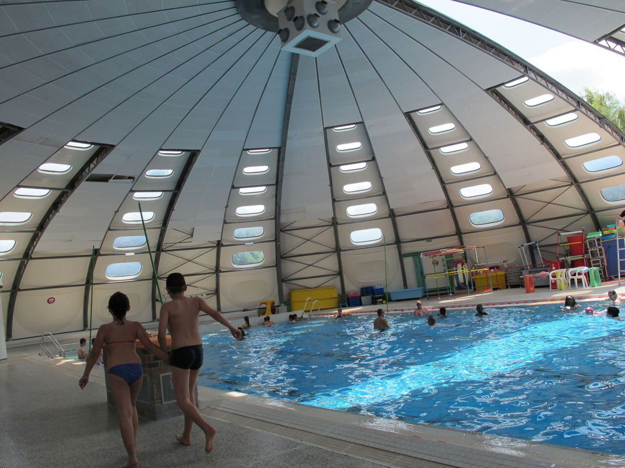 La Piscine Tournesol De Beauvais Attend Sa Réhabilitation ... serapportantà Piscine De Bresles