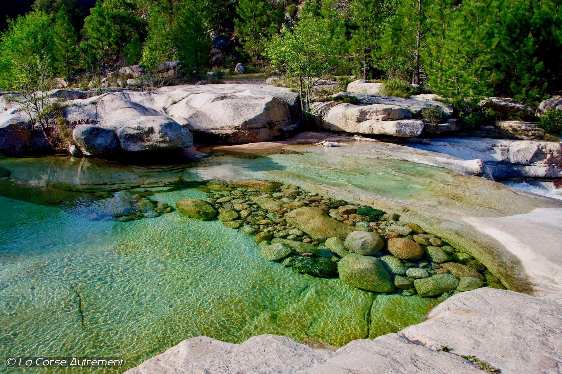 La Rivière Du Cavu, Corse | Piscine Naturelle Corse, Corse ... dedans Piscine Naturelle D Eau Chaude Corse Du Sud