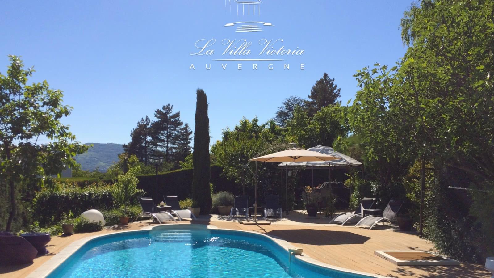 La Villa Victoria Auvergne - Clermont Auvergne Tourisme intérieur Piscine De Cournon