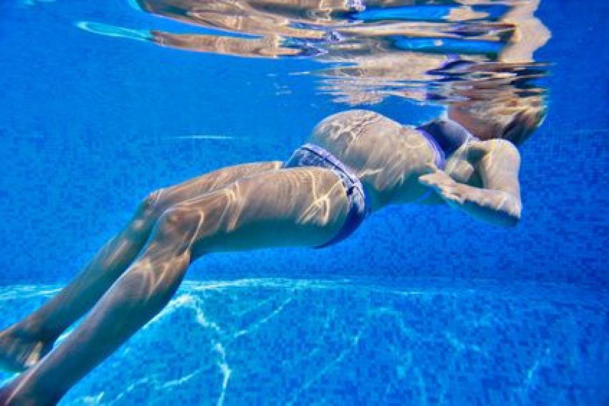 L'accouchement Dans L'eau - Guide-Piscine.fr intérieur Préparation Accouchement Piscine