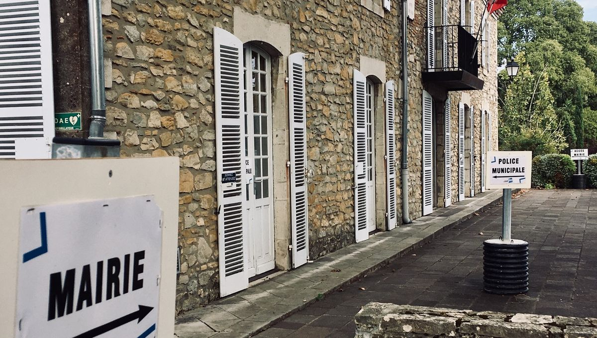 Landes : Séisme Dans La Majorité De Saint-Paul-Lès-Dax À L ... intérieur Piscine Saint Paul Les Dax