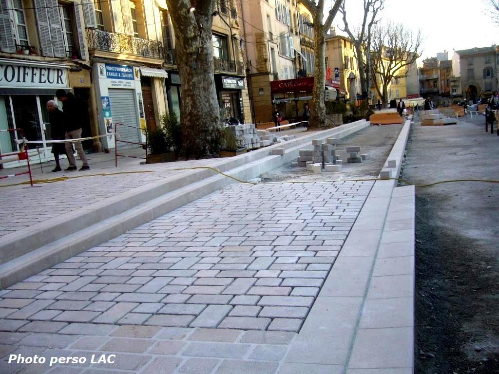 Le Blog De Lucien-Alex@ndre Castronovo - Page 13 - Le Blog ... destiné Piscine Plein Ciel Aix En Provence