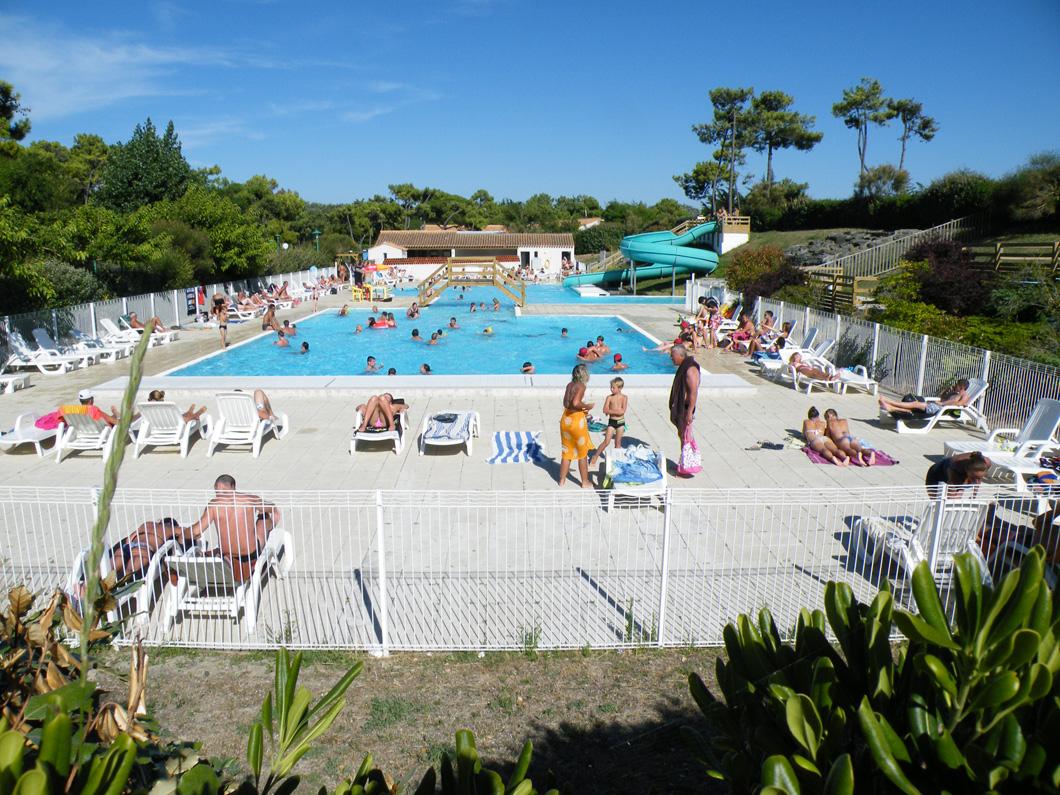 Le Camping Les Onchères Sur L'île De Noirmoutier En Vendée ... serapportantà Camping Noirmoutier Avec Piscine