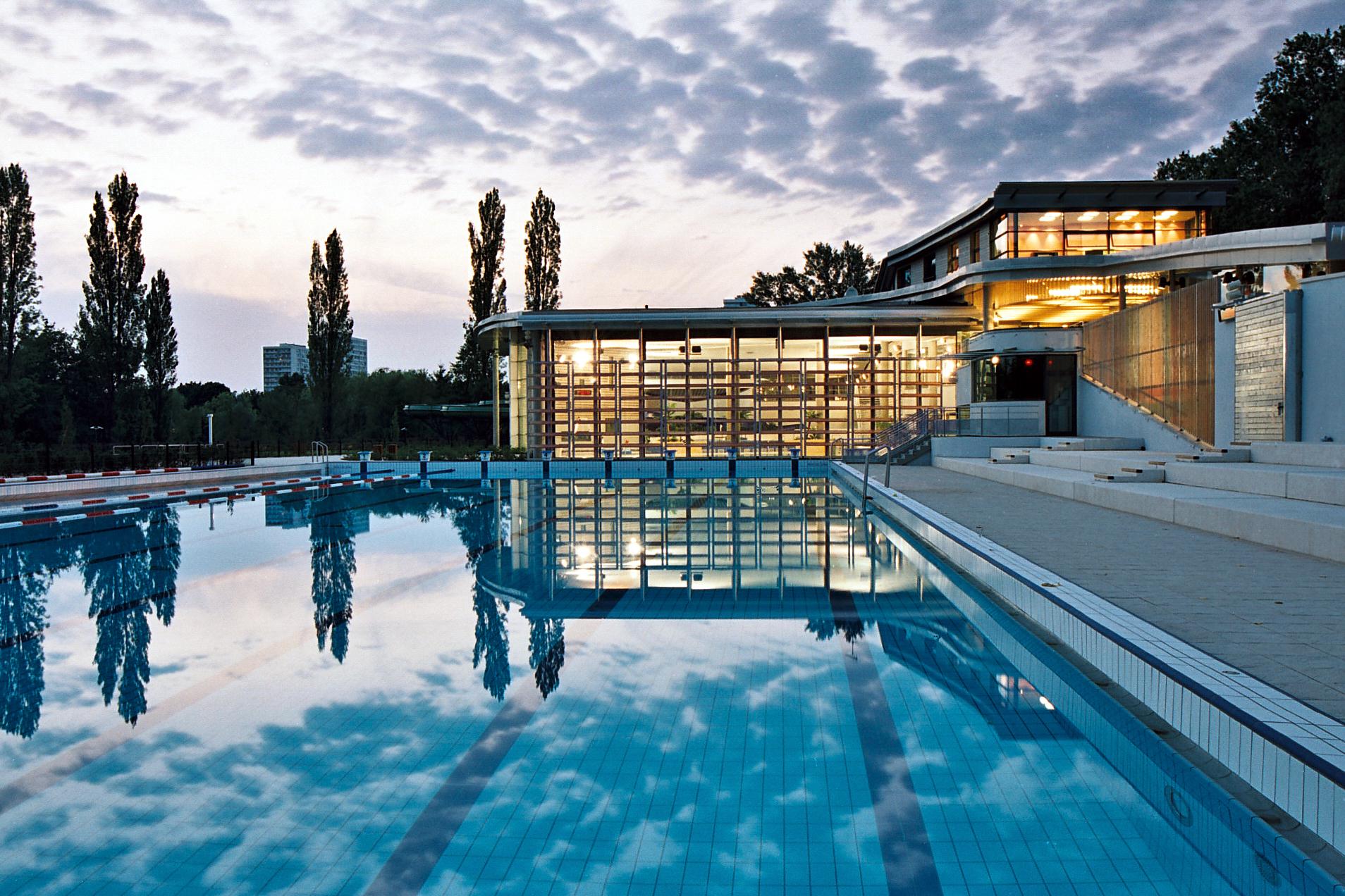 Le Centre Aquatique Du Lac | Tours Métropole Val De Loire intérieur Piscine De La Riche