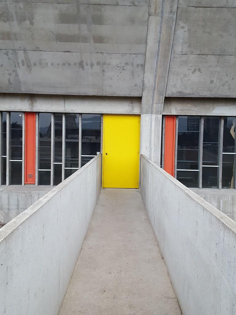 Le Corbusier - Firminy - Maison De La Culture - 1965   Flickr à Piscine Firminy