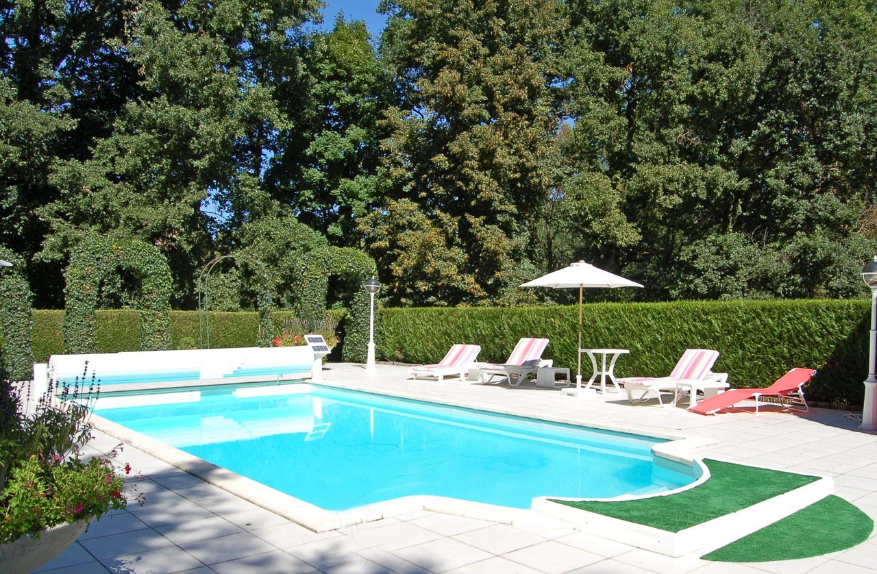 Lencloitre Villa Sleeps 12 Pool Wifi, Lencloître – Tarifs 2020 avec Piscine De Lencloitre