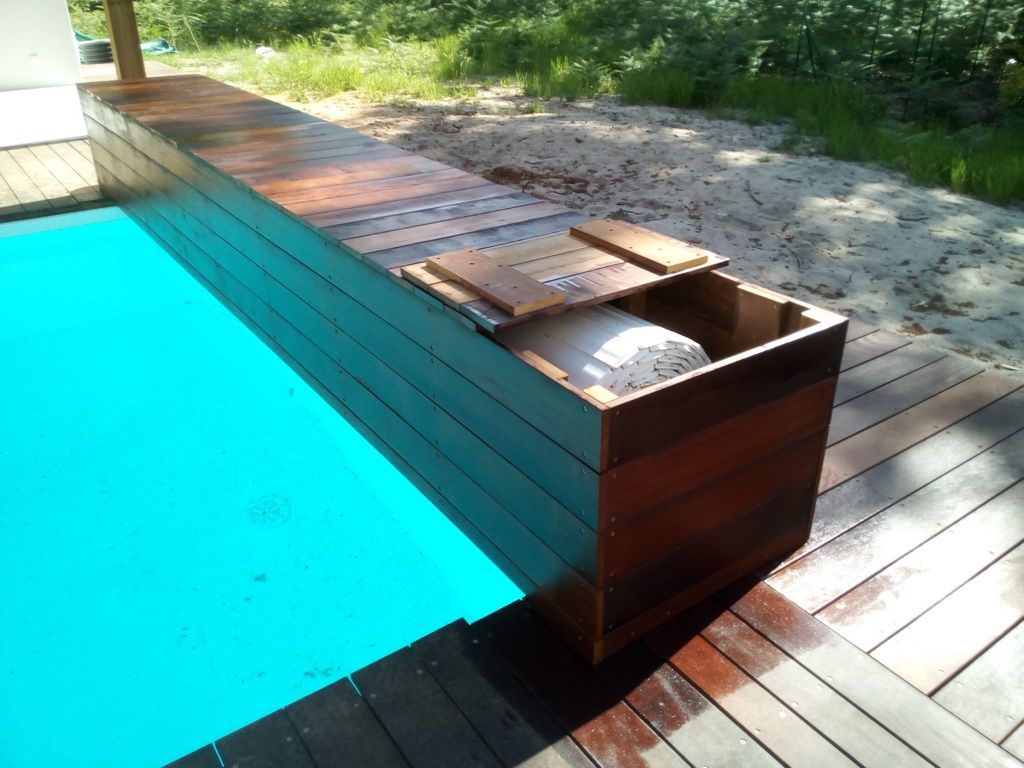 L'entreprise Deck 40 A Réalisé Ce Tour De Piscine De 86 M² ... destiné Volet Roulant Pour Piscine