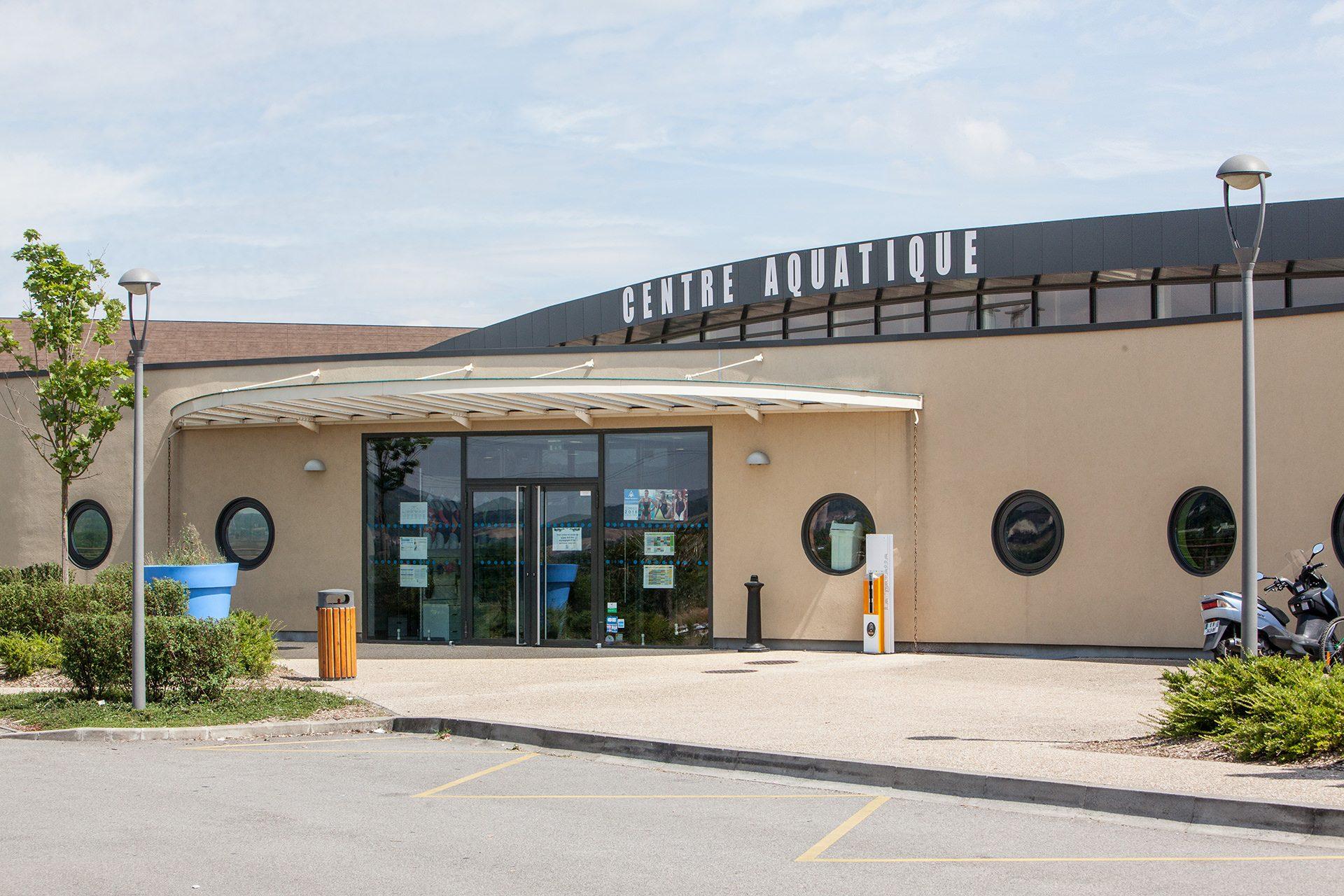 Les Bains De Seine Mauldre : Centre De Loisirs Aquatiques À ... tout Piscine Aubergenville
