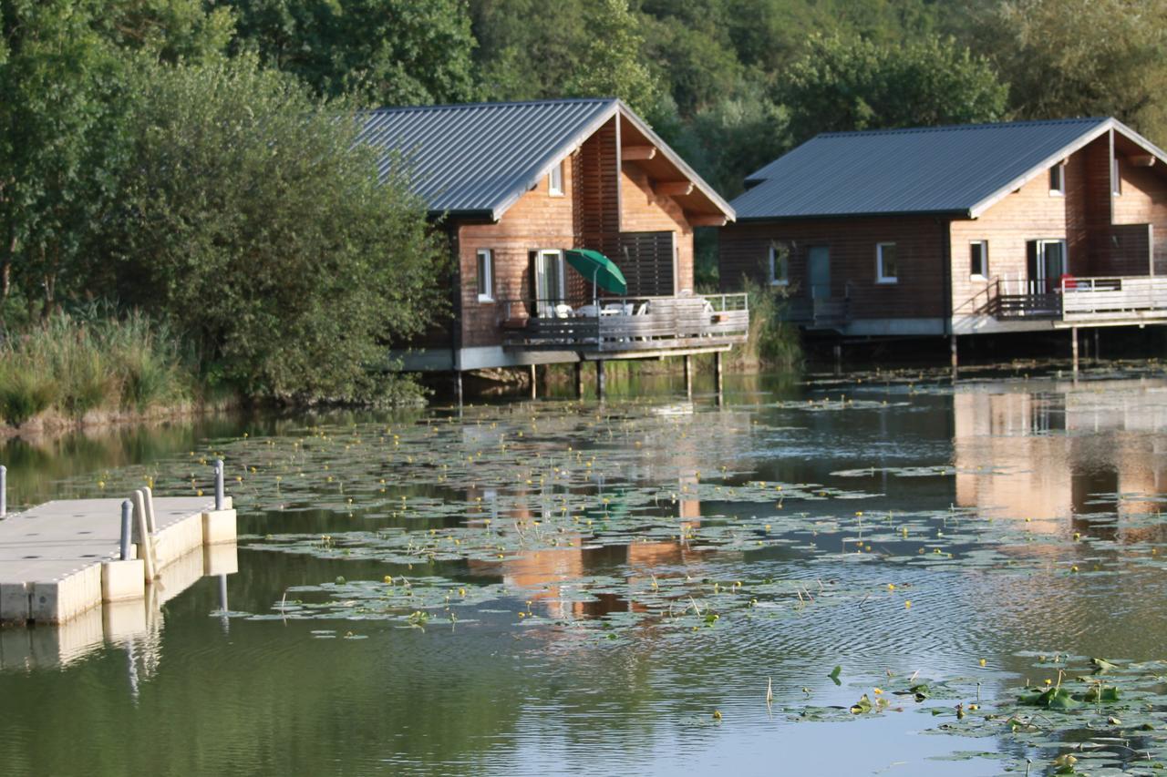 Les Cottages Du Lac (Fransa Coly) - Booking à Piscine St Amand Les Eaux
