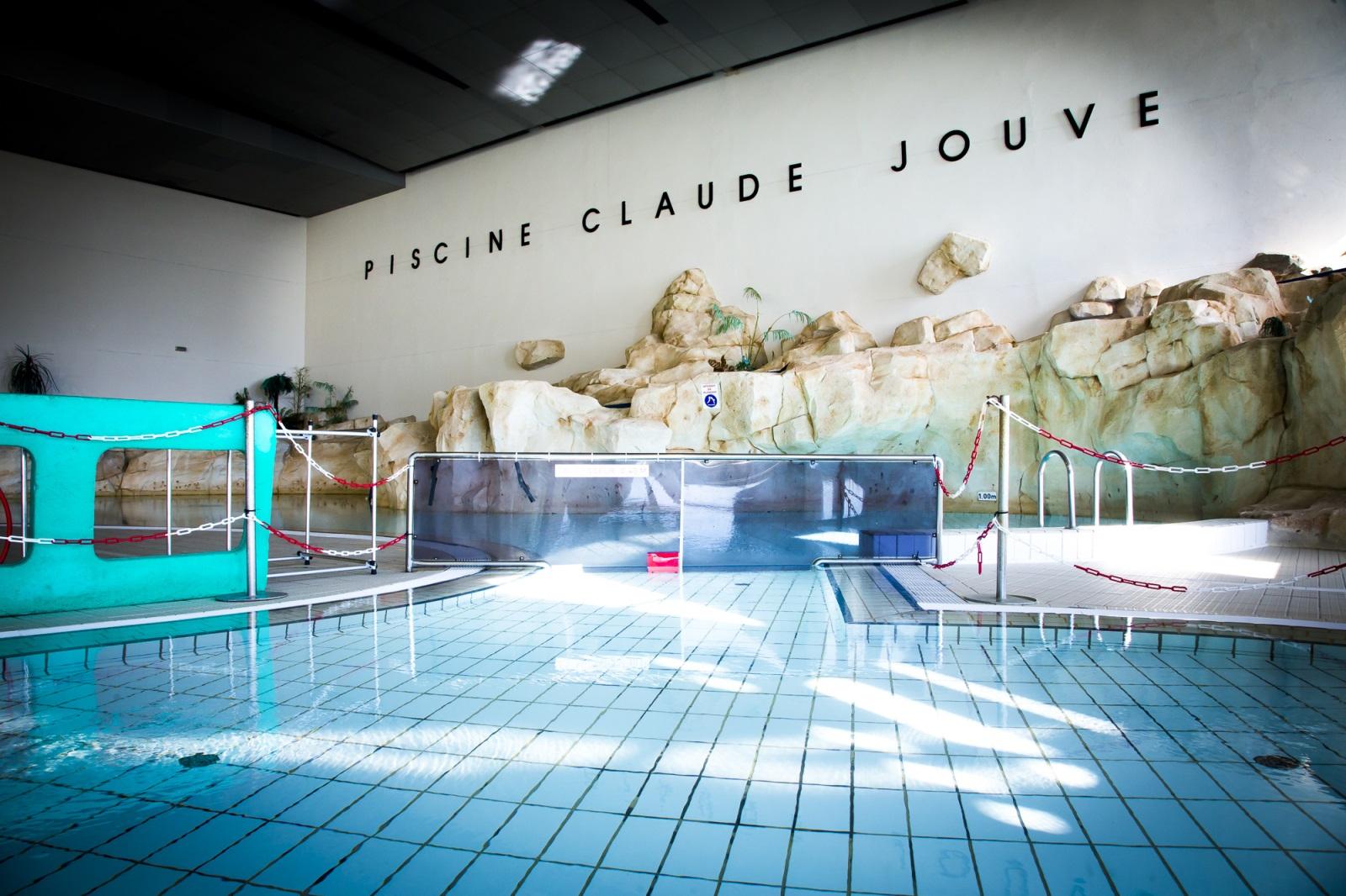 Les Hangars - Base Aéronautique Navale - Berre L'etang à Piscine Claude Jouve