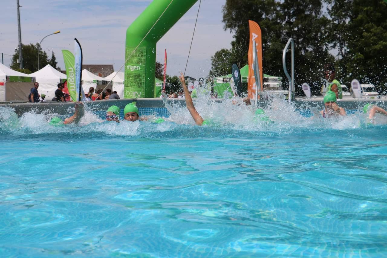 Les Jeunes Ont Pratiqué Le Triathlon À Grandvilliers   Le ... pour Piscine Grandvilliers