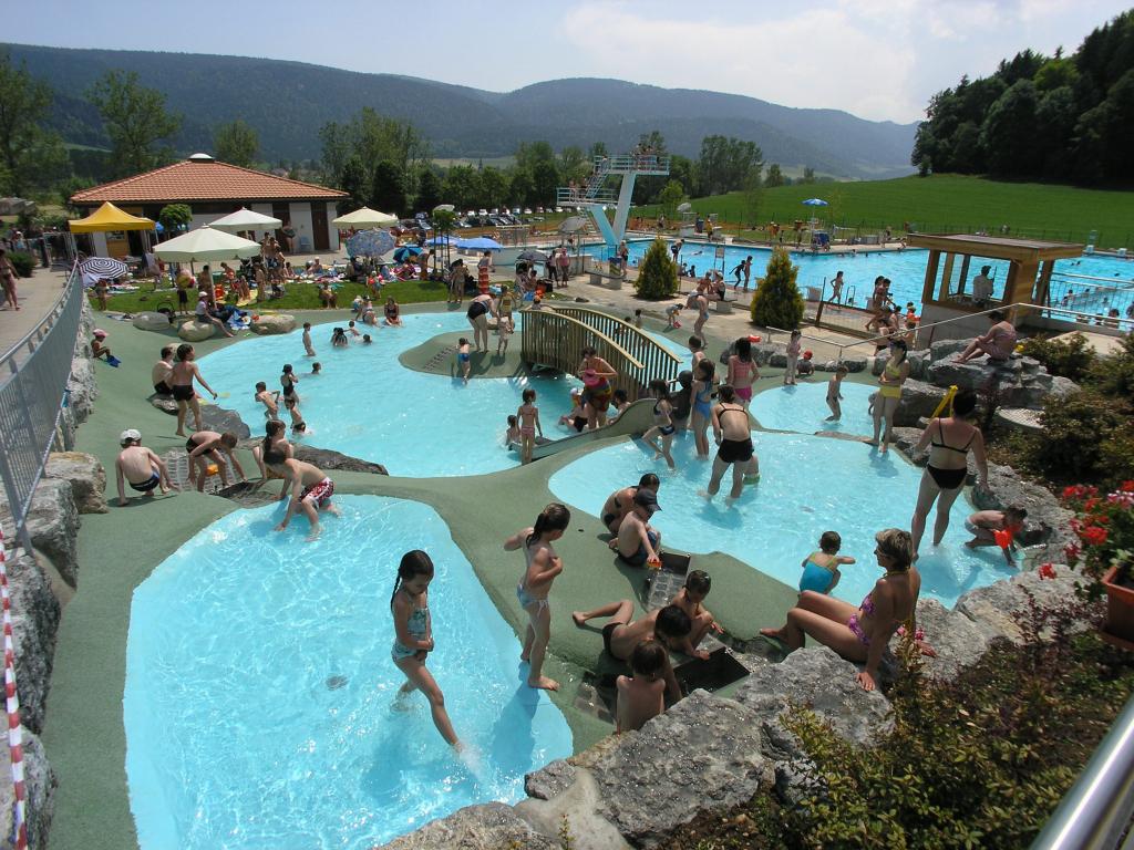 Les Plus Belles Piscines De Suisse Romande - Dossier ... intérieur Piscine Bellerive Horaire