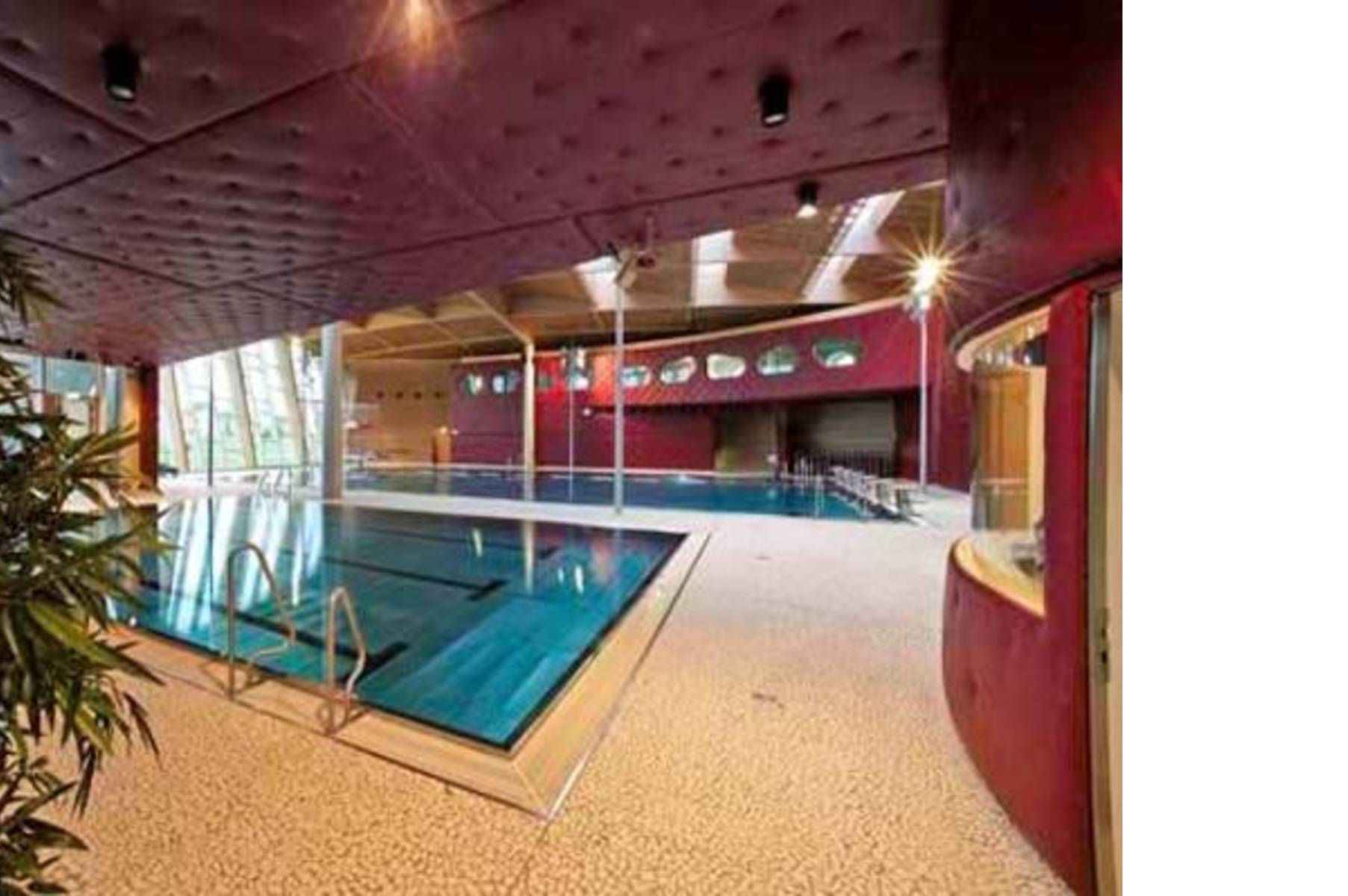 Les Thermes In Strassen Luxembourg | Floornature serapportantà Piscine Strassen