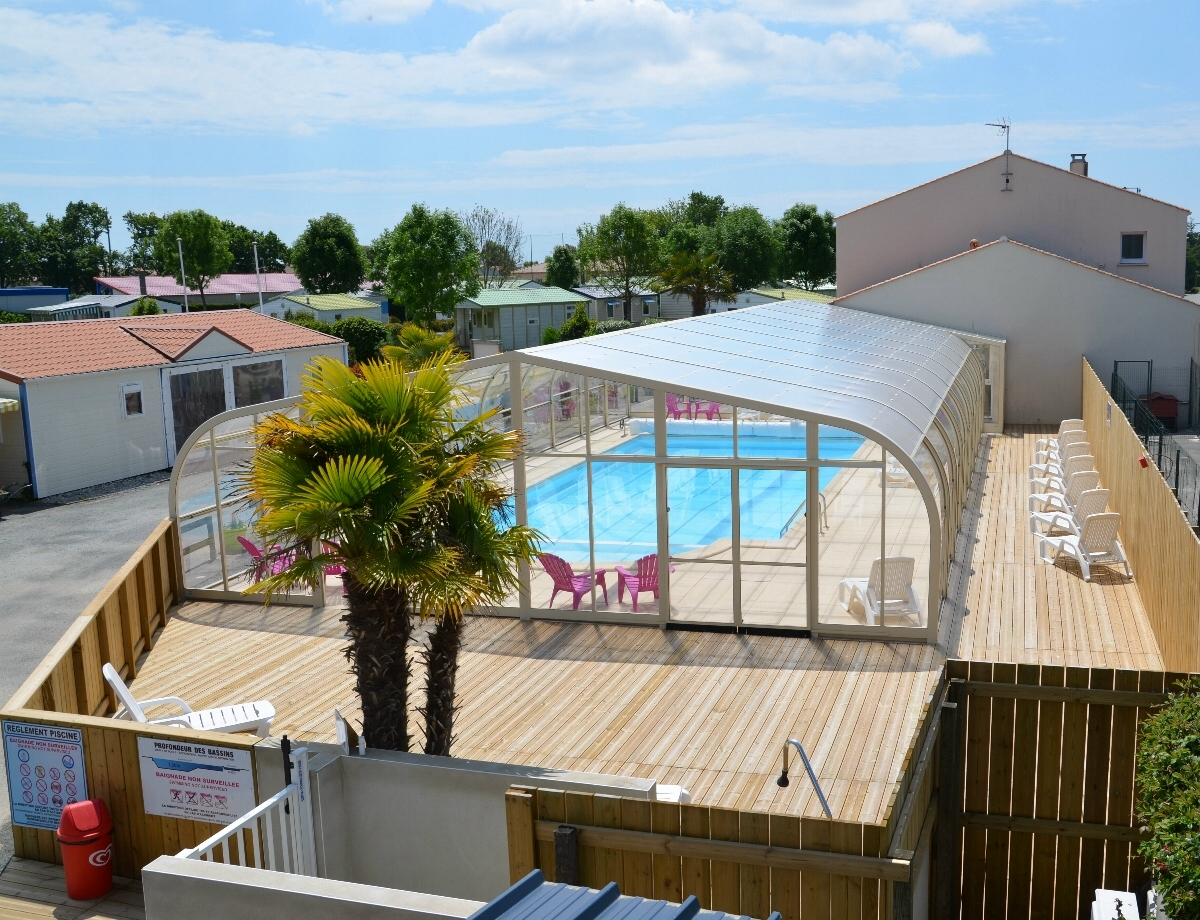 Location Avec Piscine Couverte En Vendée - Camping Les ... serapportantà Location Avec Piscine Couverte
