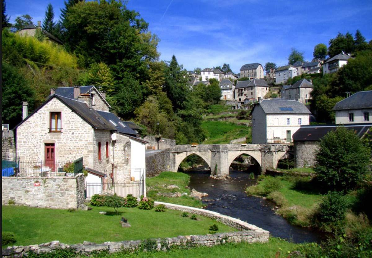 Location De Vacances À Chaumeil Avec Piscine, Dordogne-Limousin destiné Piscine Egletons