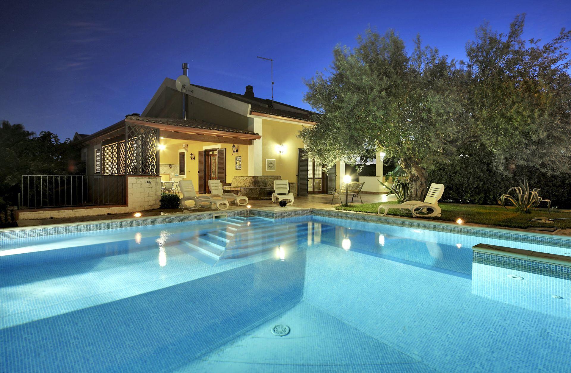 Location De Vacances À Marina Di Ragusa | Villa Dell'ulivo ... tout Piscine Gdo