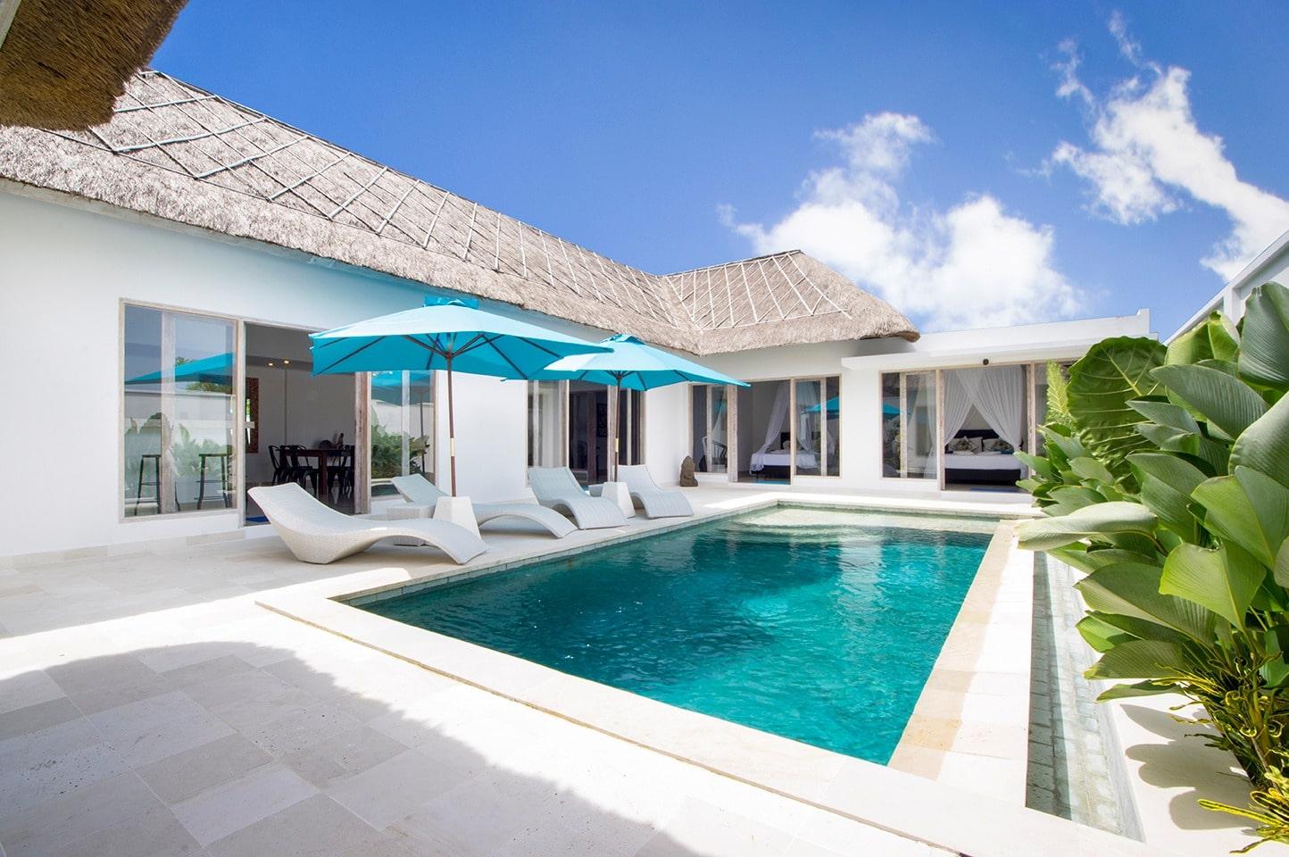 Location De Villa Pas Chère À Bali : 4 Chambres Et Une ... intérieur Hotel Avec Piscine Privée Dans La Chambre France