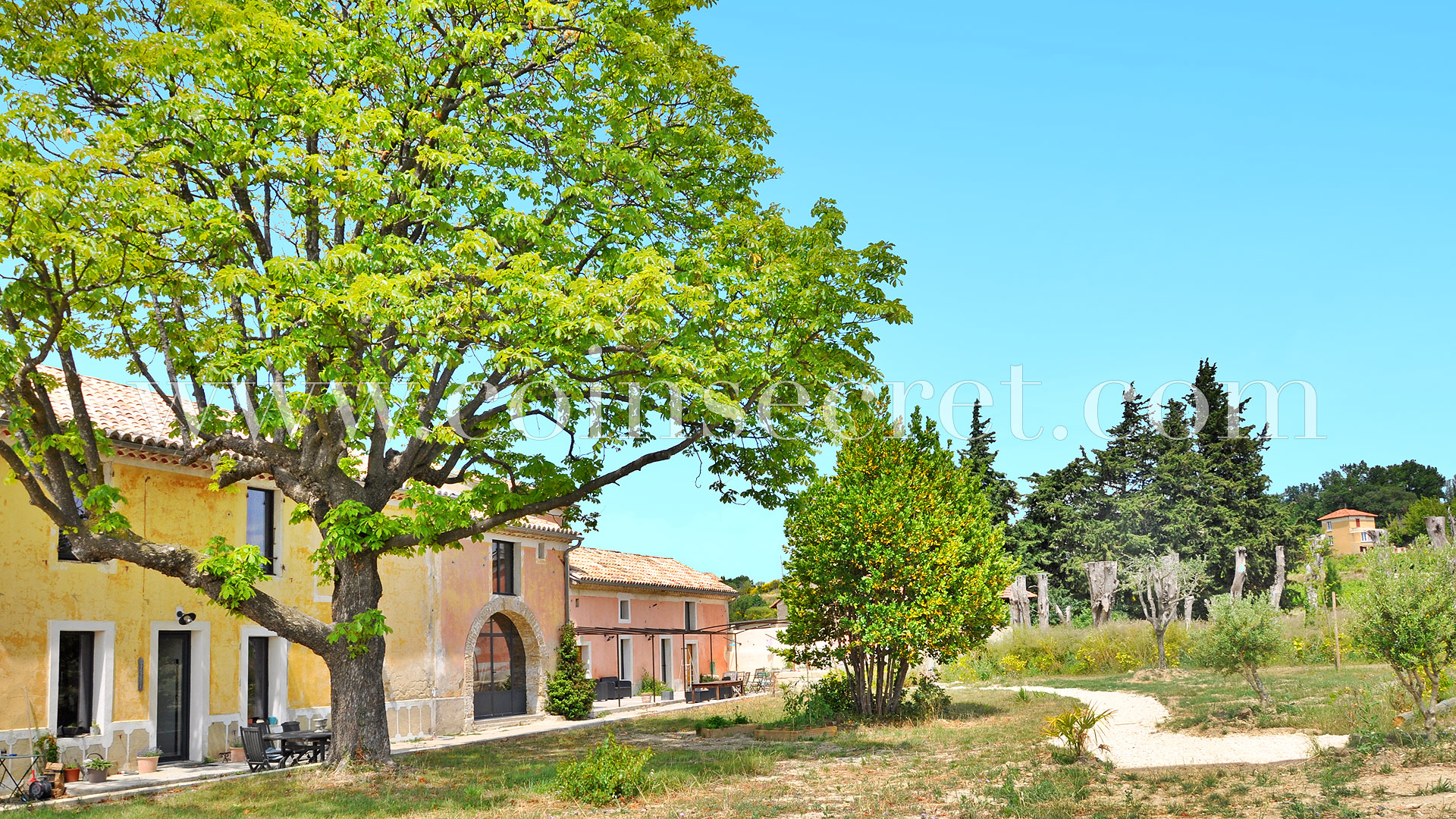 Location D'un Gîte De Vacances Avec Piscine À Tulette En ... tout Piscine Drome