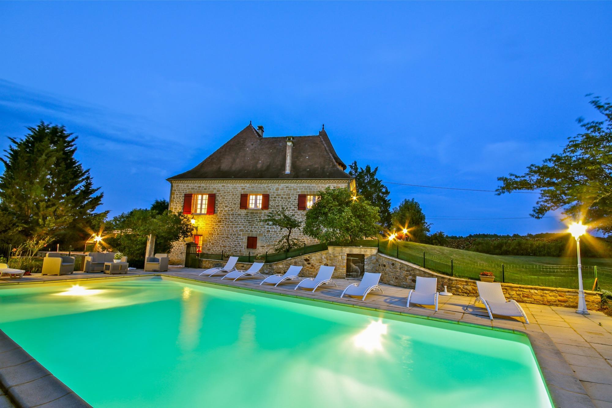 Location Maison Vacances Piscine Intérieure Sarlat ... dedans Location Dordogne Piscine