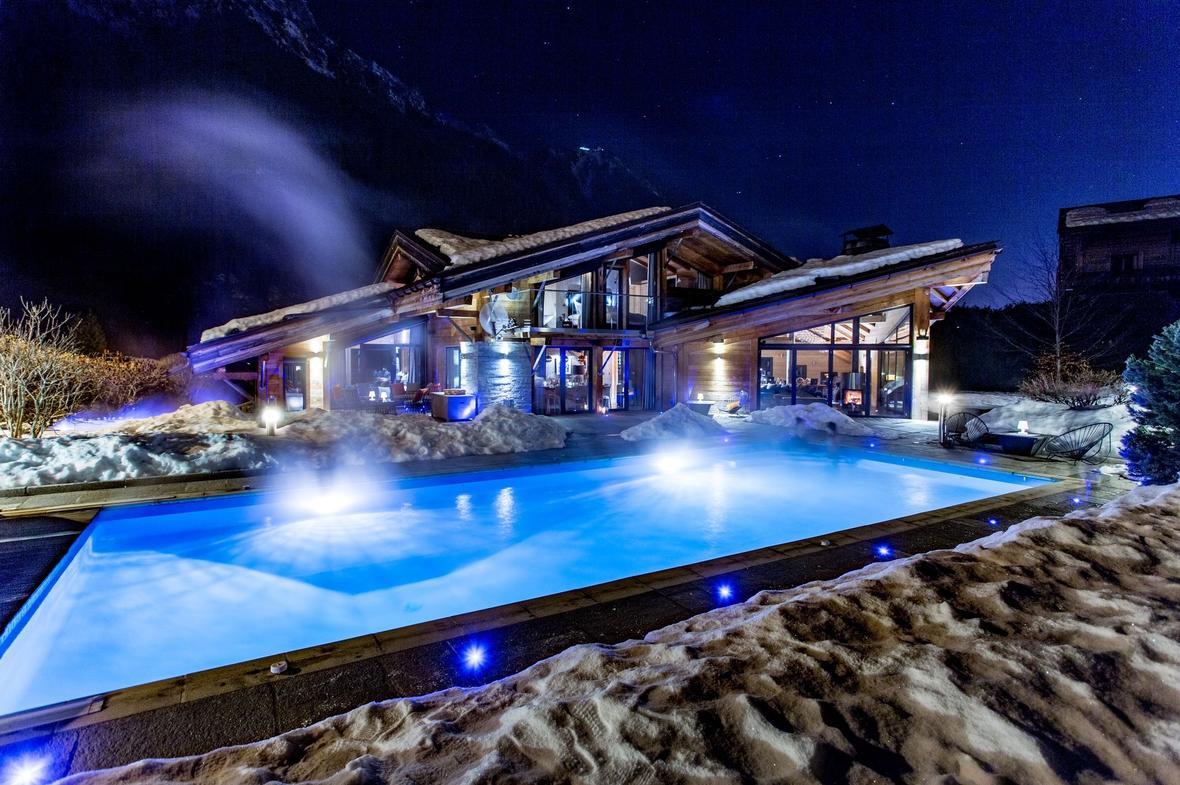 Location Saisonnière Chalet De Luxe Chamonix-Mont-Blanc | 10 ... intérieur Piscine De Chamonix