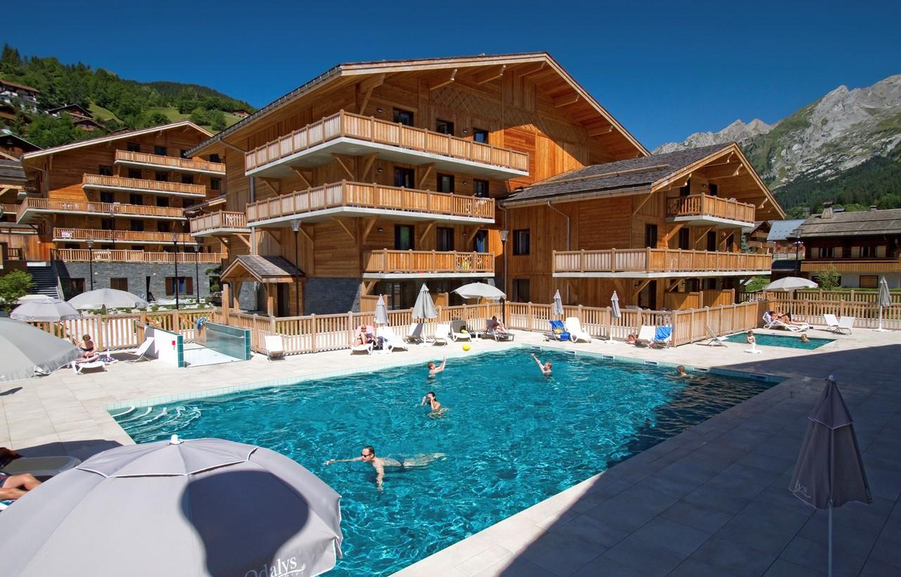 Location Vacances À La Clusaz : Résidence Prestige Odalys ... intérieur Piscine La Clusaz