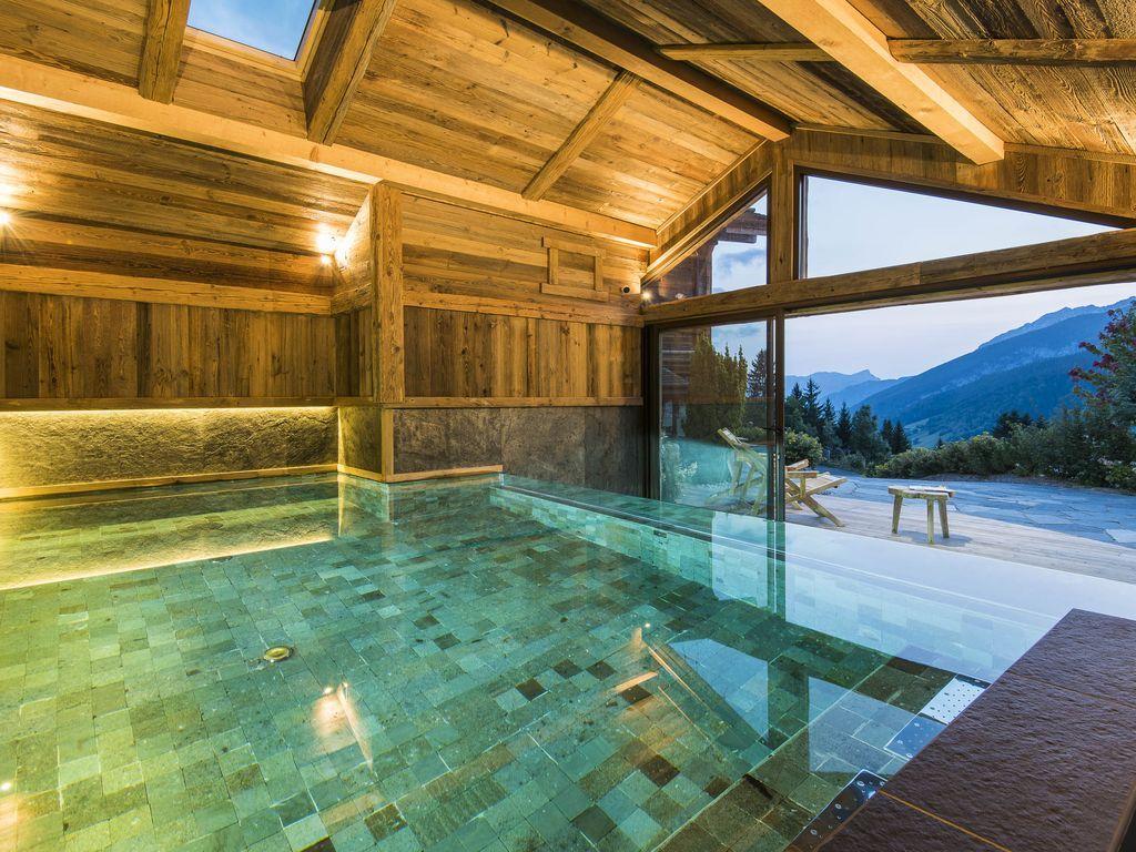 Location Vacances Chalet Le Grand-Bornand: Piscine Chalet ... intérieur Location Maison Avec Piscine Intérieure
