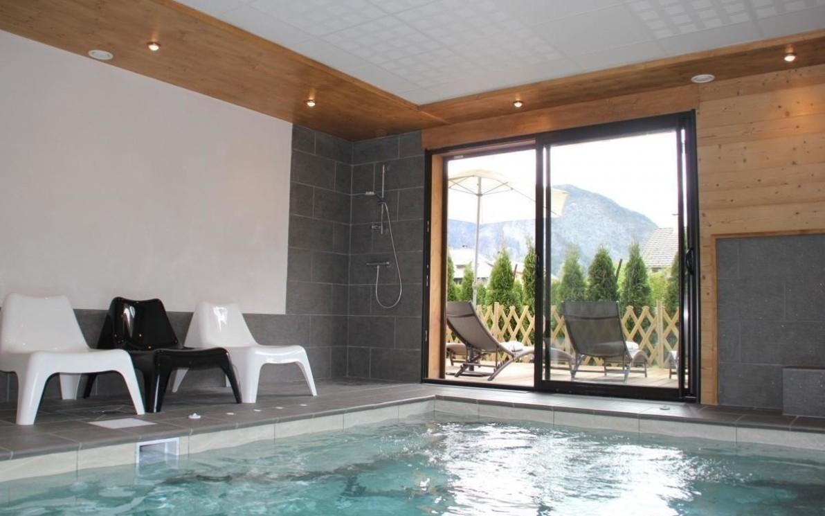 Location-Vacances - Gîte L'edelweiss À Taninges En Haute-Savoie destiné Gite Avec Piscine Intérieure Privée