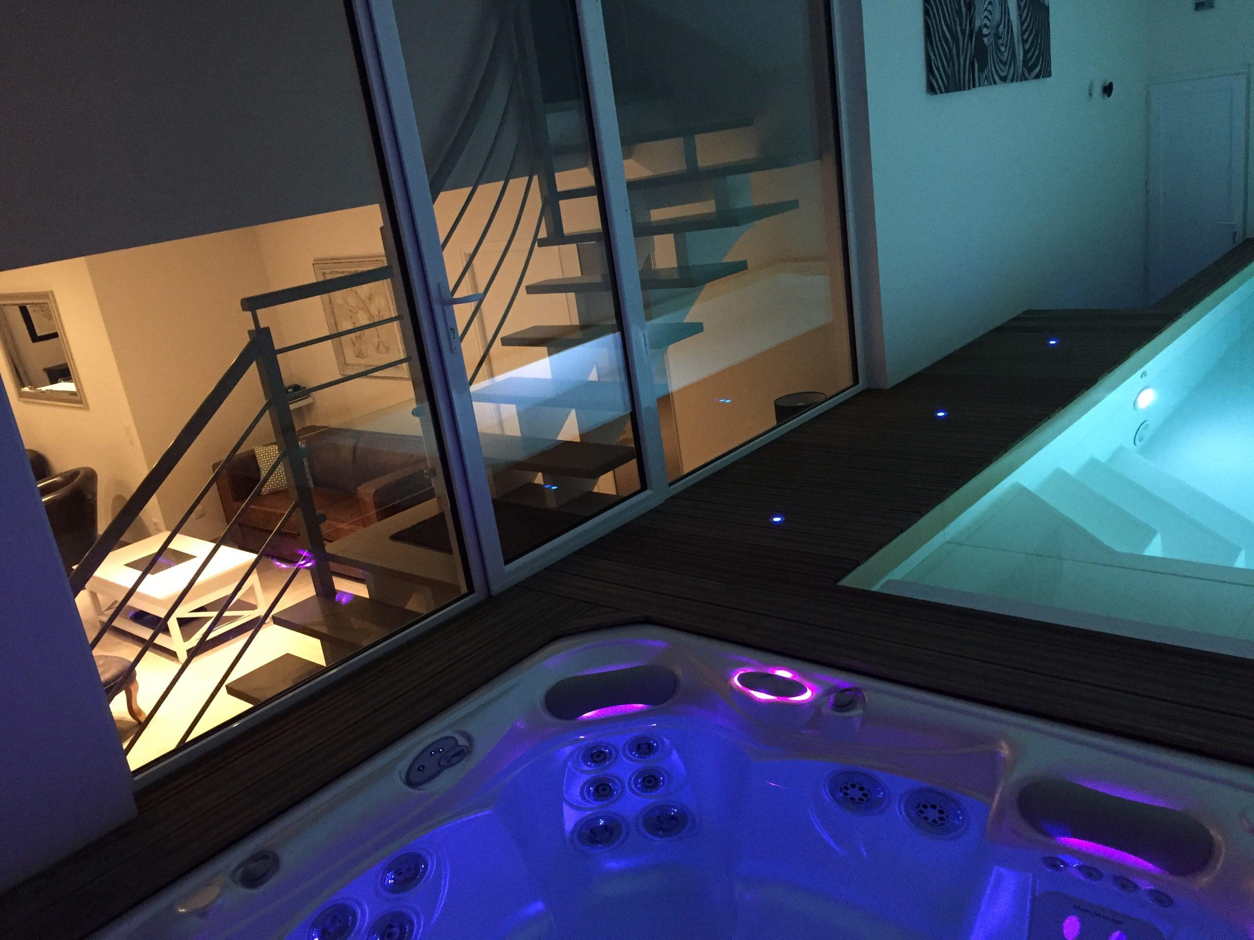 Location Villa De Vacances Avec Piscine Intérieure Et Spa destiné Location Maison Piscine Intérieure