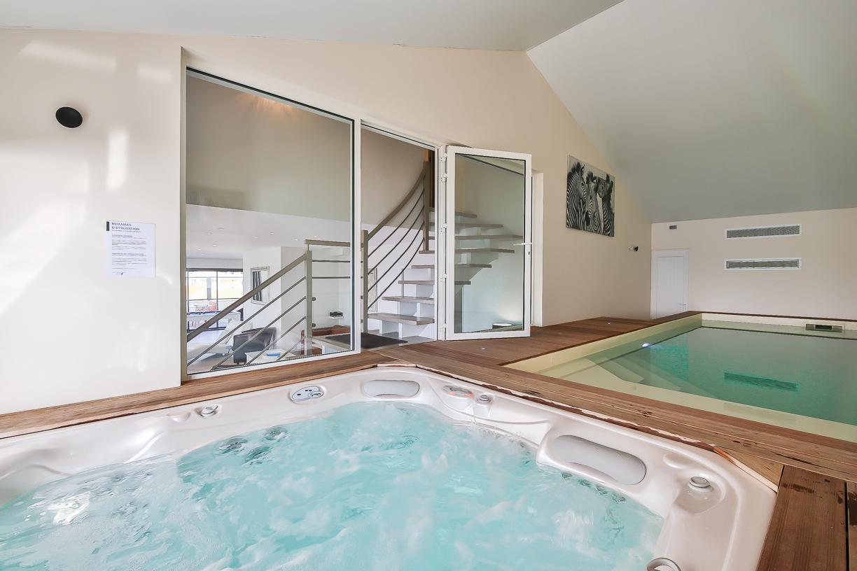 Location Villa De Vacances Avec Piscine Intérieure Et Spa pour Location Maison Piscine Intérieure