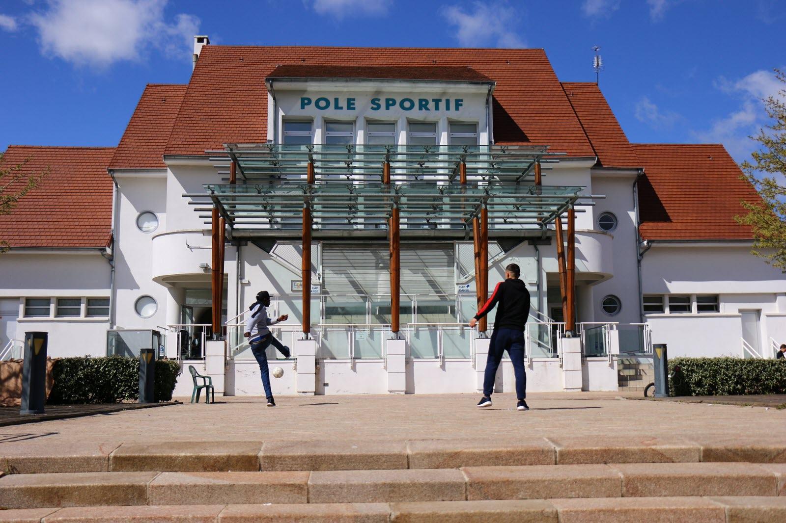 Loire | Andrézieux-Bouthéon : Des Lycéens Lancent Une ... à Piscine Andrezieux