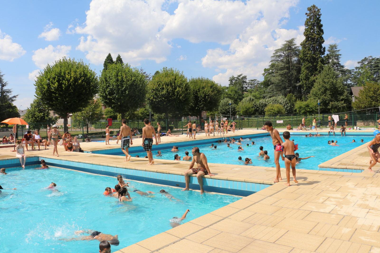 Loire | La Talaudière: La Piscine Définitivement Fermée intérieur Piscine La Talaudiere