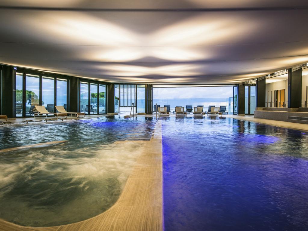 Luxury Hotel Chatelaillon-Plage – La Grand Terrasse ... dedans Piscine De La Rochelle