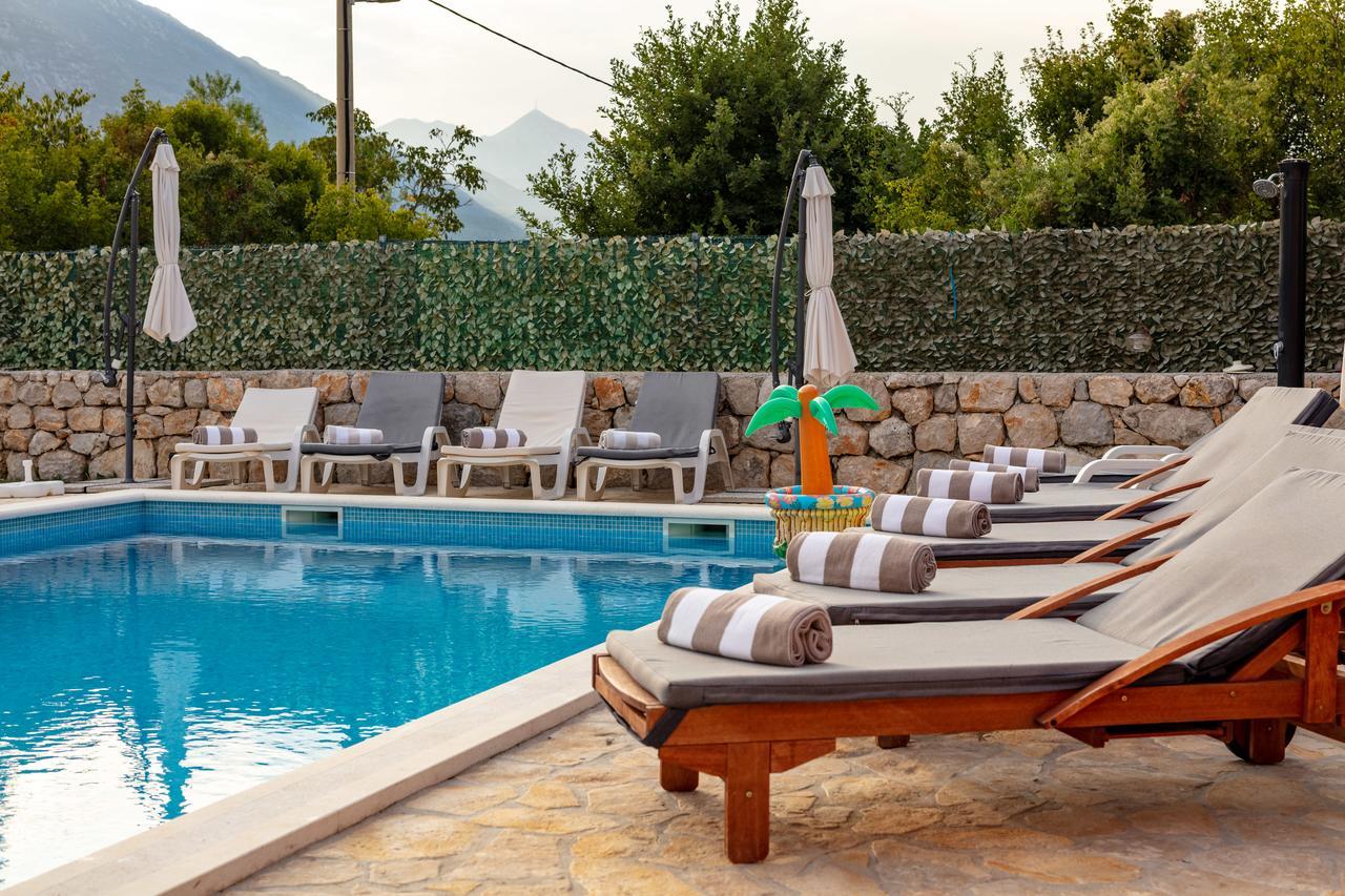Luxury Villa Poquito (Hırvatistan Zagvozd) - Booking avec Piscine Square Du Luxembourg
