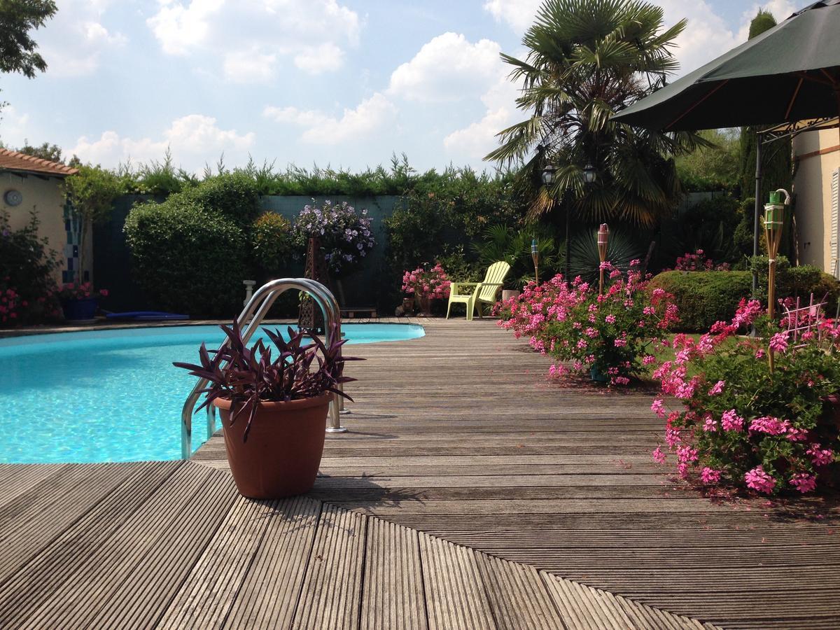 Maclado Location Appartement De Sta, Thiais, France ... concernant Piscine D Orly