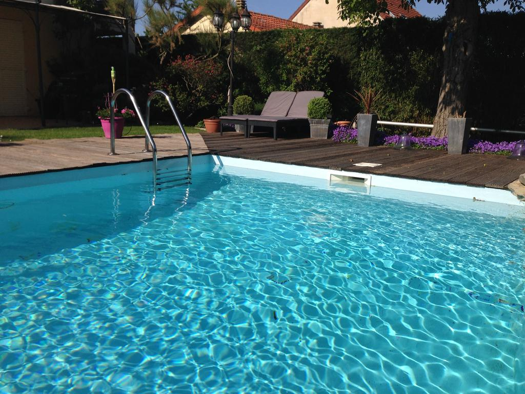 Maclado Location Appartement De Sta, Thiais, France ... dedans Hotel Avec Piscine Paris