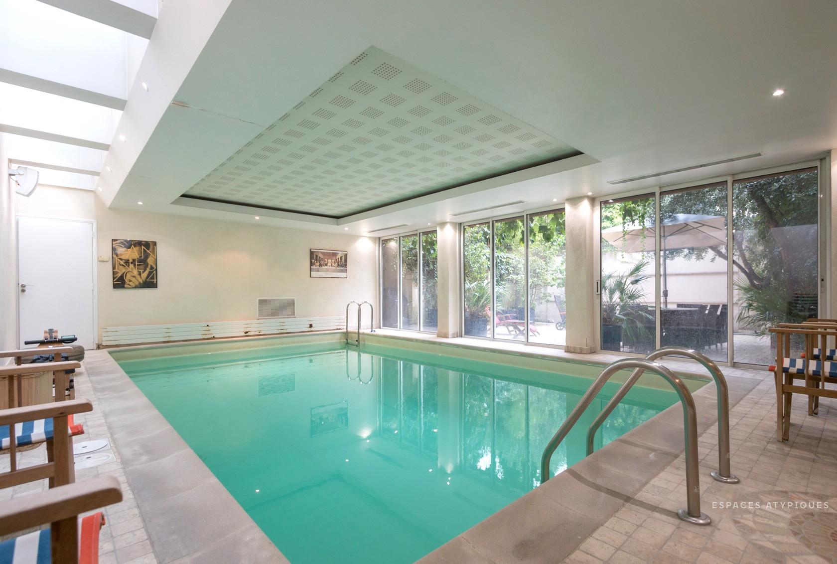 Maison Avec Piscine Couverte Et Terrasses À Vendre Paris 18 avec Location Maison Avec Piscine Intérieure