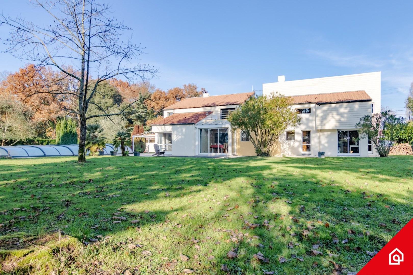 Maison D'architecte De Luxe Saint-Aignan-Grandlieu, 8 Pièces ... à Piscine Cordemais