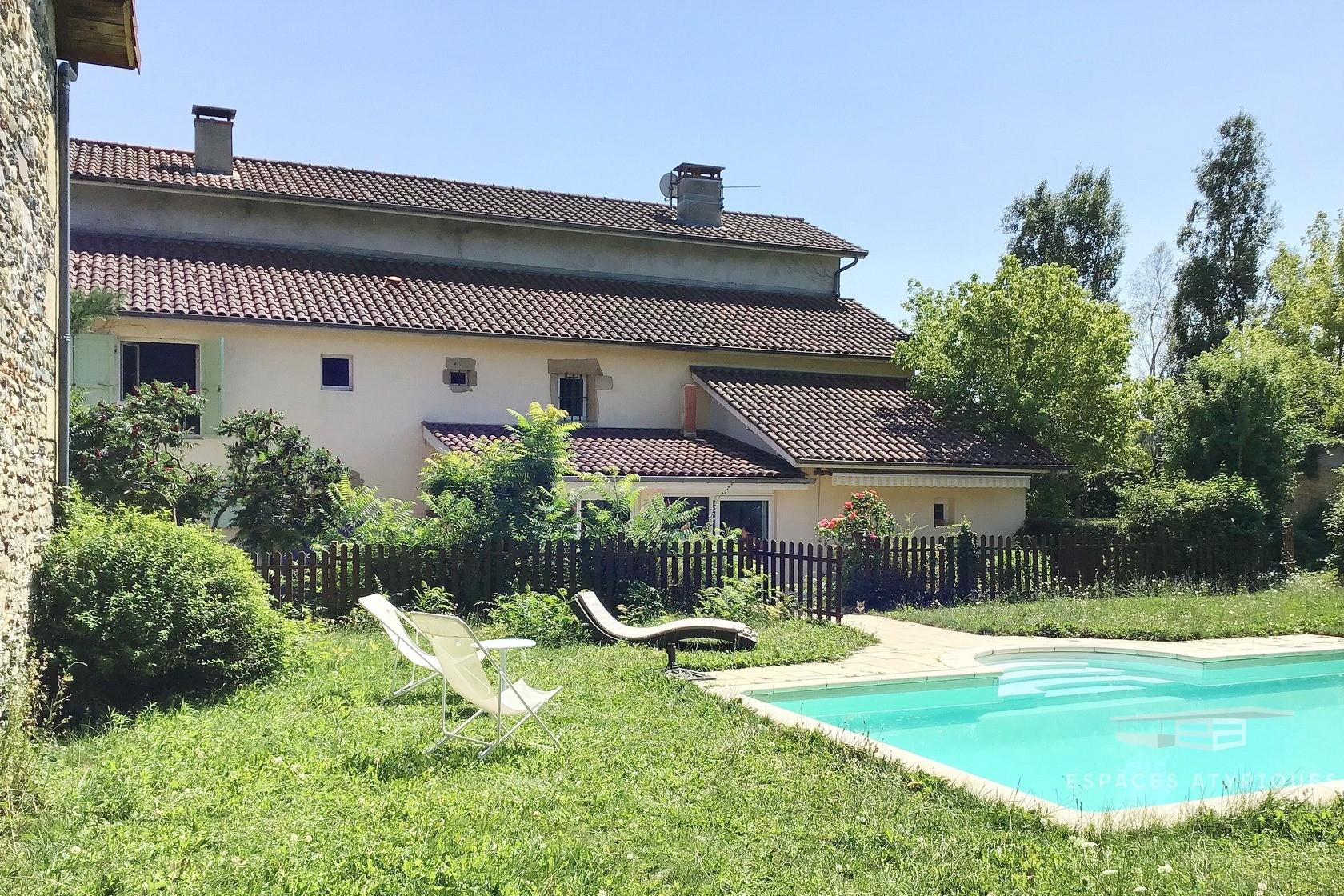 Maison De Charme Avec Piscine, 340 M², Bourgoin-Jallieu, Tramolé avec Piscine Bourgoin Jallieu