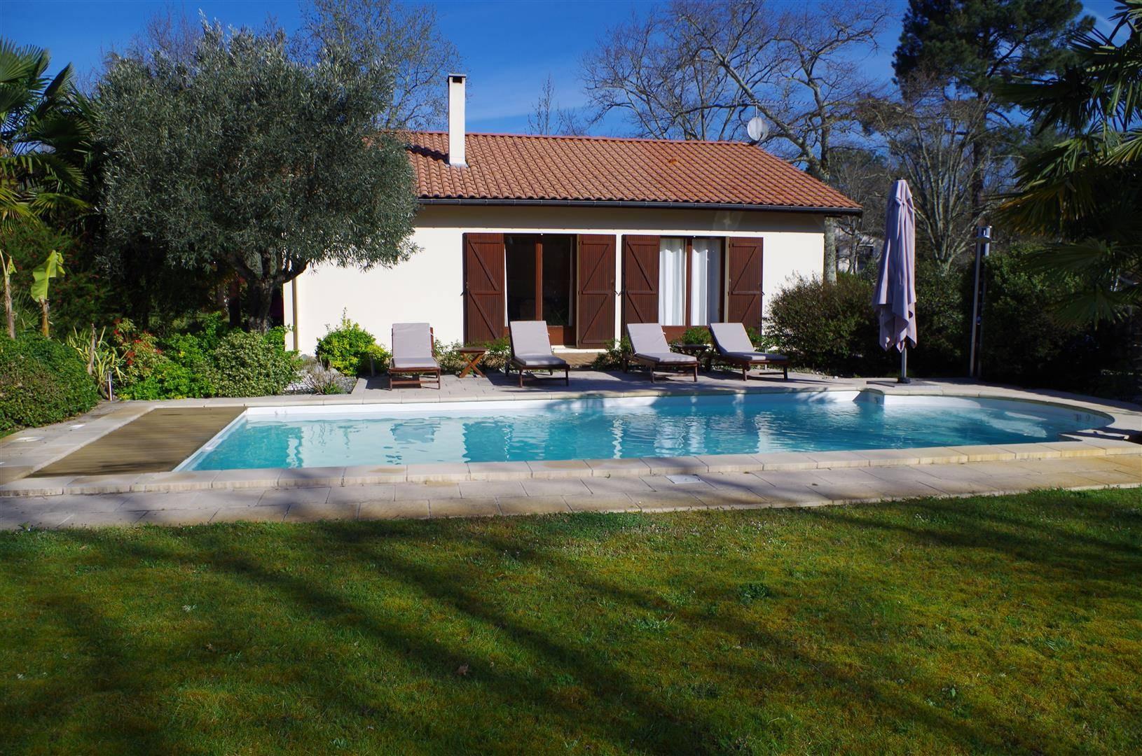 Maison De Plain Pied 115M², 3 Chambres + Bureau Sur 1654M² ... concernant Piscine Cestas