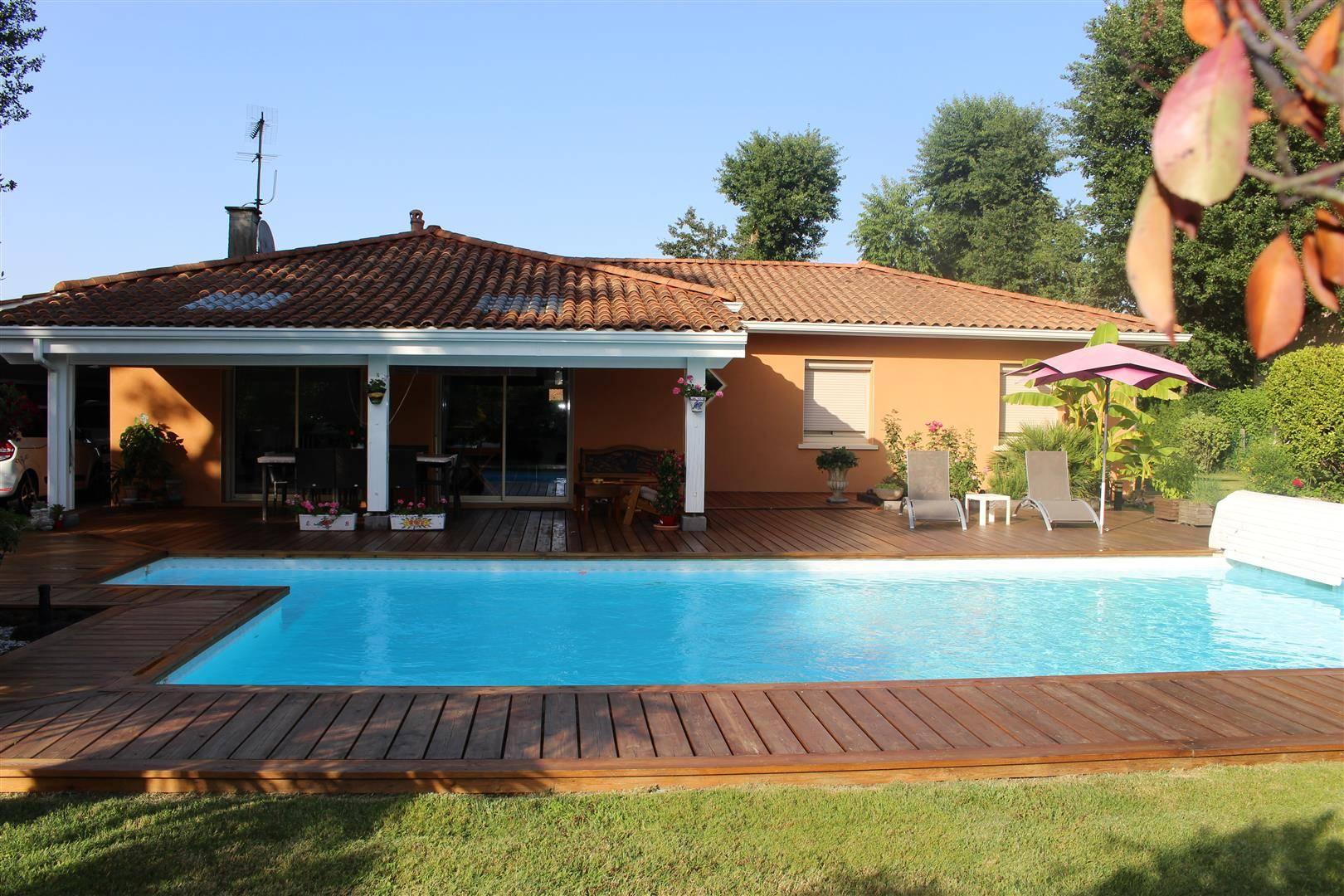 Maison De Plain Pied 120M²,avec Piscine 3 Chambres Sur 929M² ... avec Piscine Cestas