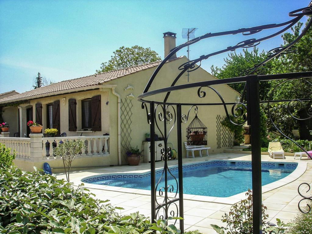 Maison De Vacances / Gîte Amazone Coulobres (France Servian ... destiné Piscine Servian